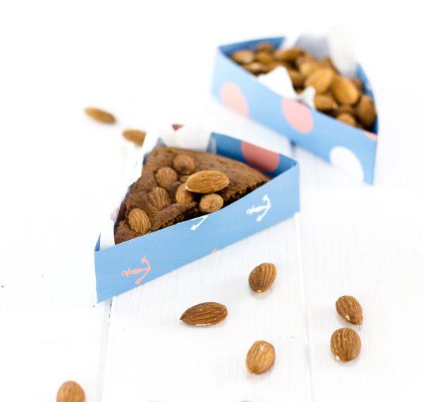 Ein gesunder Snack: Mandeln! Entweder pur oder in meinem leichten Kuchen!