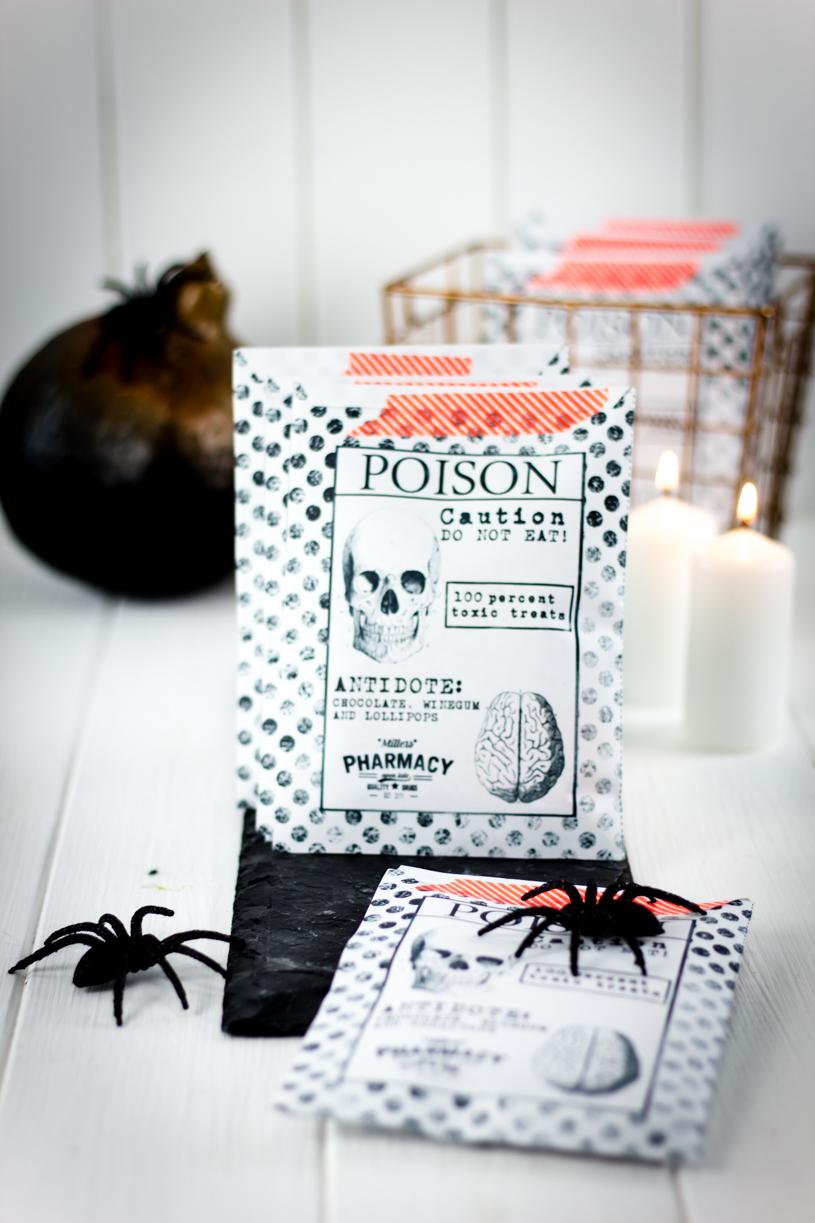 Halloween DIY: Schöne Tüten für Süßigkeiten basteln. Gratis Download titatoni.de