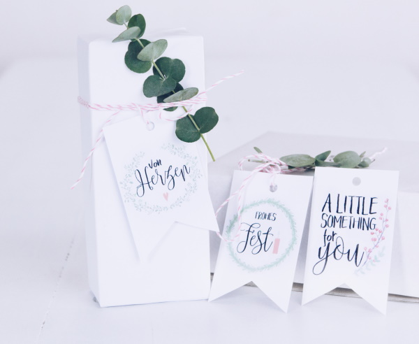 Kostenlose Etiketten / Geschenkanhänger /Tags zum Ausdrucken zu Weihnachten