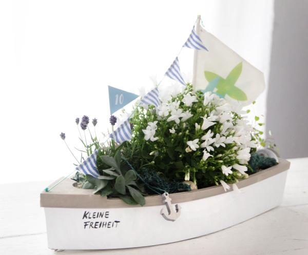 Schiff ahoi! Eine easy maritime DIY Geschenkidee zum Selbermachen für alle, die das Meer lieben!
