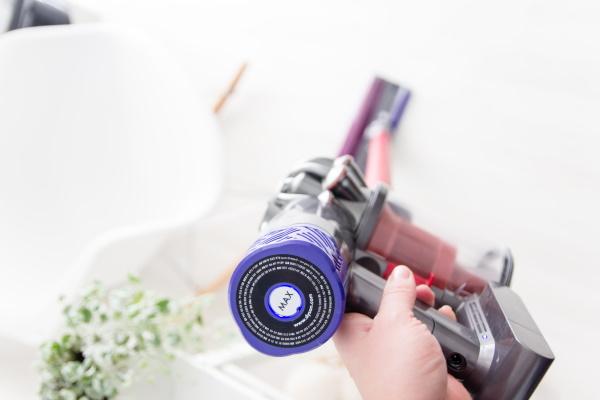 Der Dyson Akkusauger V6 Total Clean und  6 Tipps für mehr Ordnung und Sauberkeit und gegen den Putz-Schweinehund. Putztipps by titatoni.de