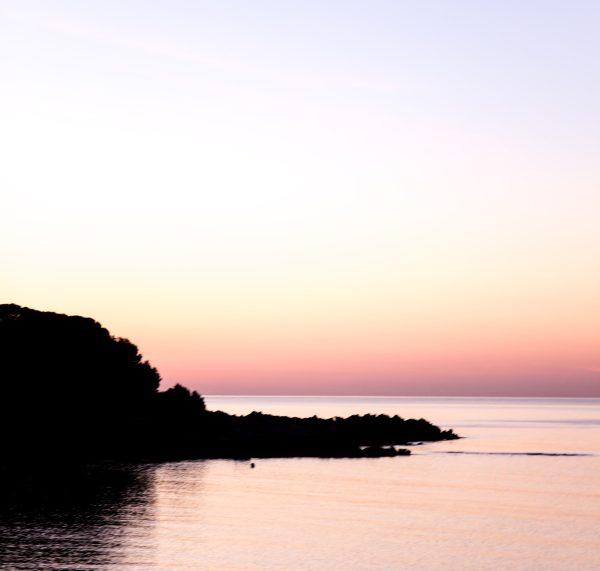 Sonnenaufgang auf Mallorca -  Rezept für einen traditionellen mallorquinischen Mandelkuchen by titatoni.de
