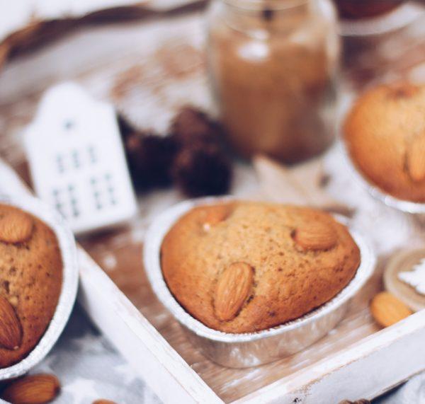 Rezept zu Weihnachten: Einfache Honigkuchen-Muffins backen. Titatoni.de