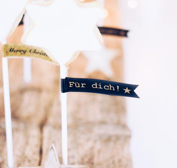 Selbstgemachte Ausstechplätzchen zu Weihnachten zum Verschenken. titatoni.de