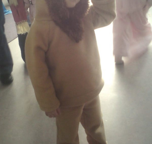 Die erste DIY-Idee auf titatoni: Ein Löwen-Kostüm zum selber nähen. #titatoniwird8