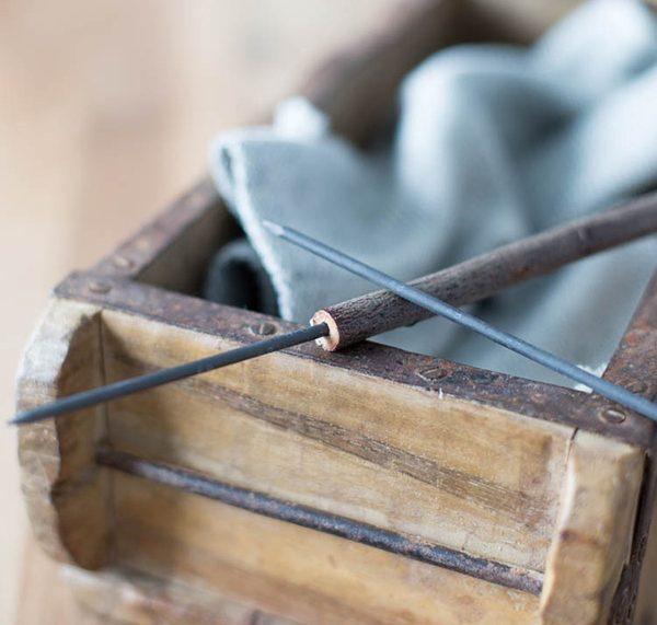 Schnelles Upcycling DIY: Bleistifte selber machen aus Zweigen. titatoni.de und Frühstück bei Emma