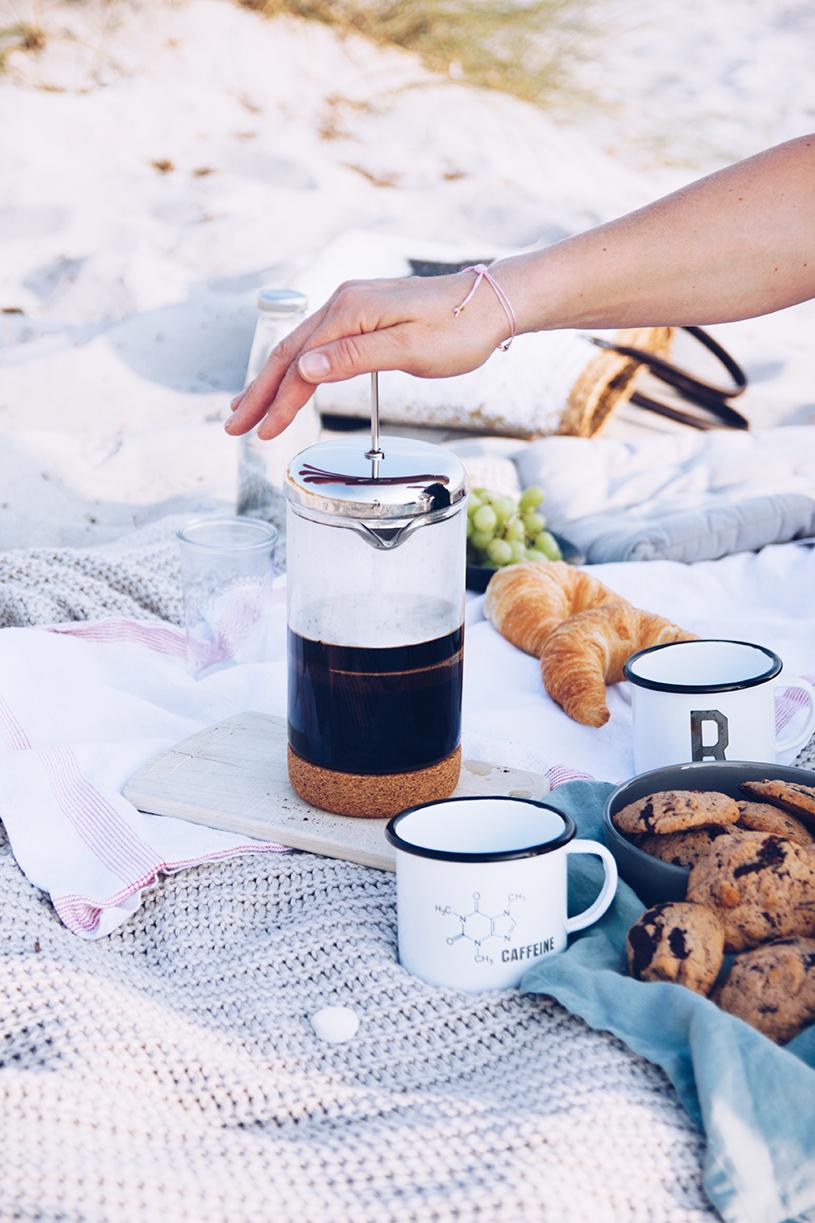 Picknick am Strand, Tipps für die Stempelkanne und ein Rezept für Kaffee-Nuss Cookies mit Tonkabohne. titatoni.de
