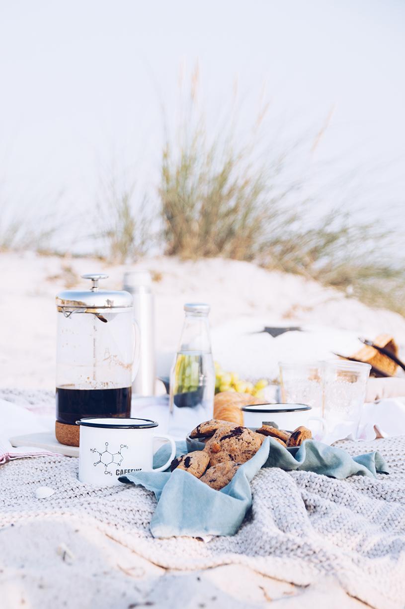 Kaffee an der Ostsee, Tipps für die French Press und ein Rezept für Kaffee-Nuss Cookies mit Tonkabohne.