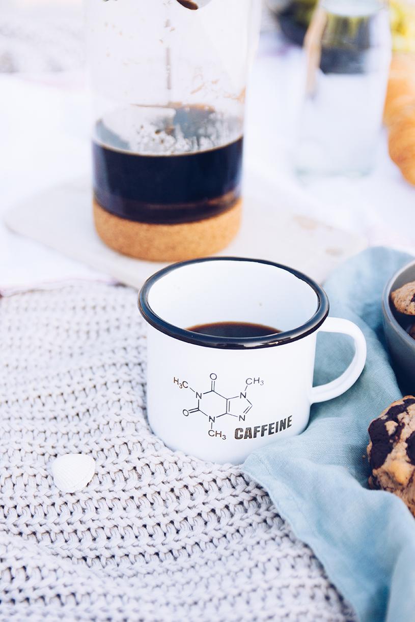 Kaffee aus der Stempelkanne und ein Rezept für Kaffee-Nuss Cookies mit Tonkabohne. titatoni.de