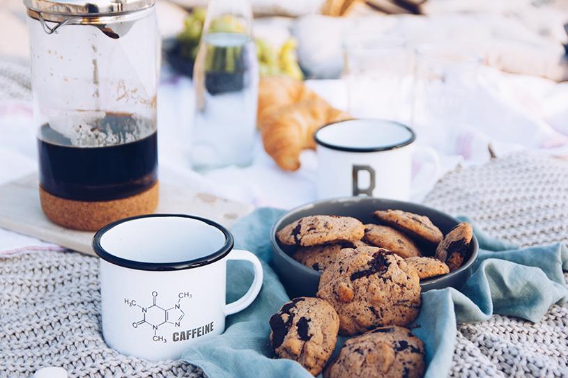 Picknick an der Ostsee, Kaffee aus der French Press und ein Rezept für Kaffee-Nuss Cookies mit Tonkabohne. titatoni.de