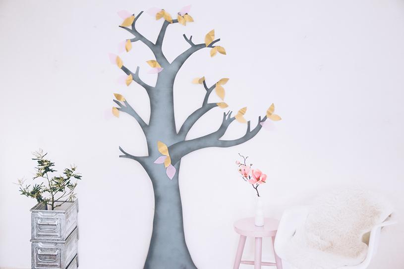 Wanddeko fürs Wohnzimmer. Ein DIY Deko-Baum als Upcycling Projekt. titatoni.de