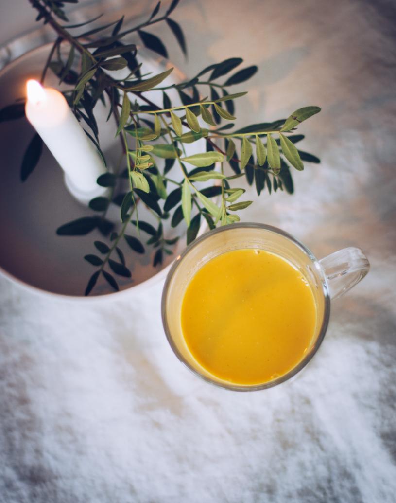 Rezept für goldene Milch - Kurkuma Latte. titatoni.de