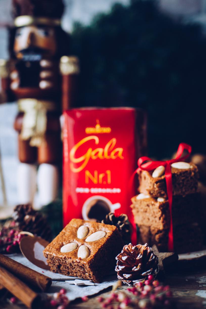 Backen an Weihnachten: Einfaches Rezept für saftige Honigkuchen mit Filterkaffee. titatoni.de
