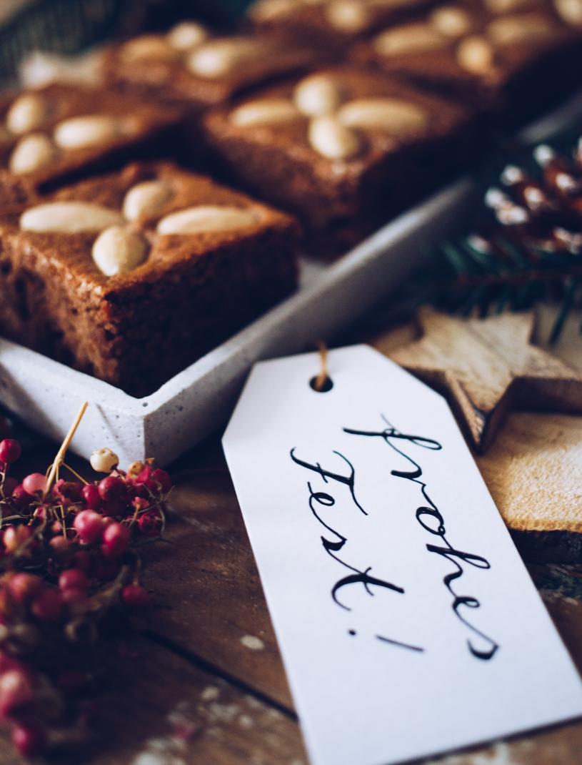 Frohes Fest: Einfaches Rezept für saftige Kaffee-Honigkuchen aus der Weihnachtsbäckerei. titatoni.de