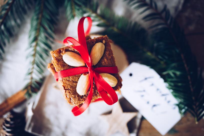 Weihnachtsbäckerei: Einfaches Rezept für saftige Kaffee-Honigkuchen vom Blech. titatoni.de