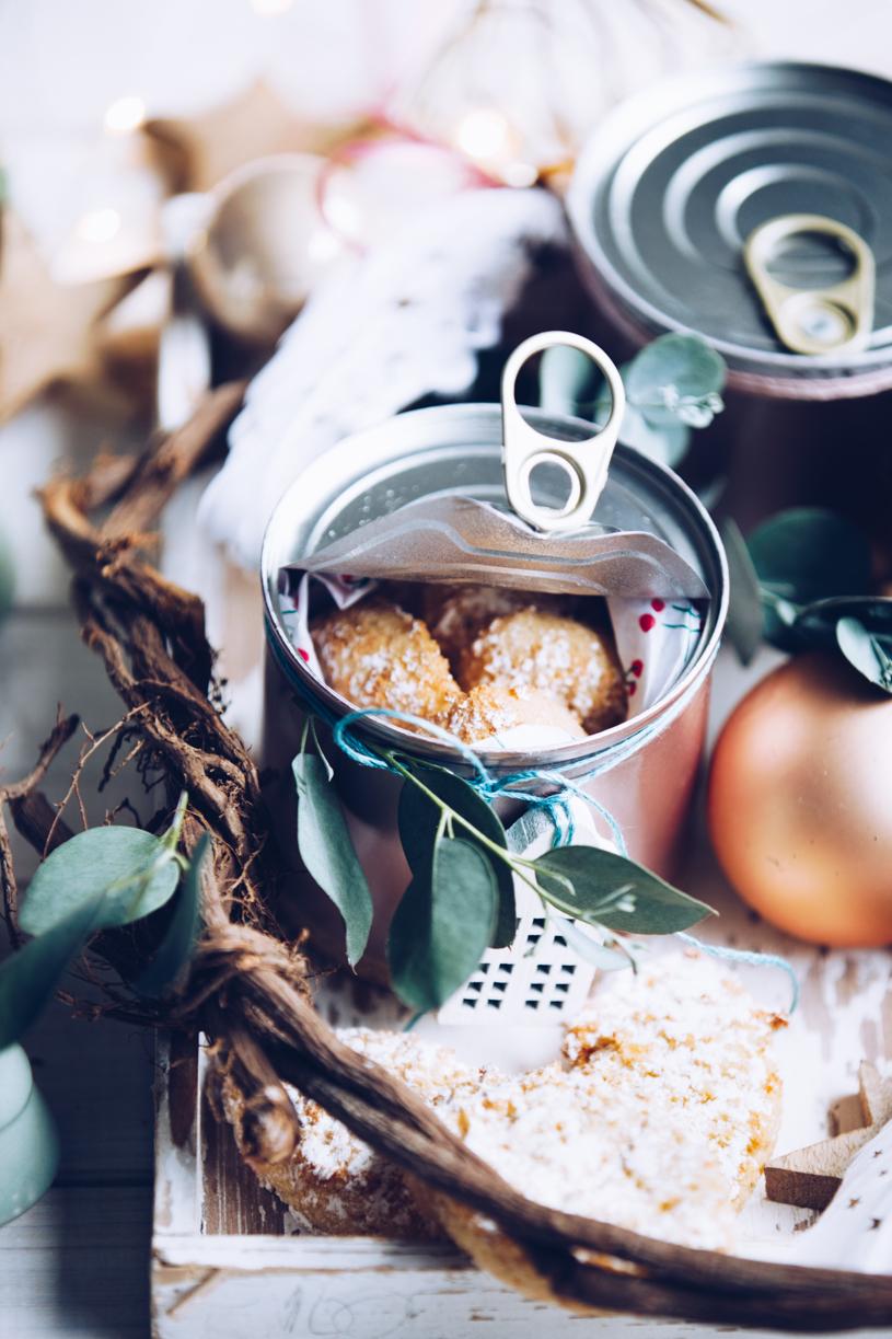 Plätzchen hübsch verschenken: Cookies aus der DIY Keksdose. titatoni.de