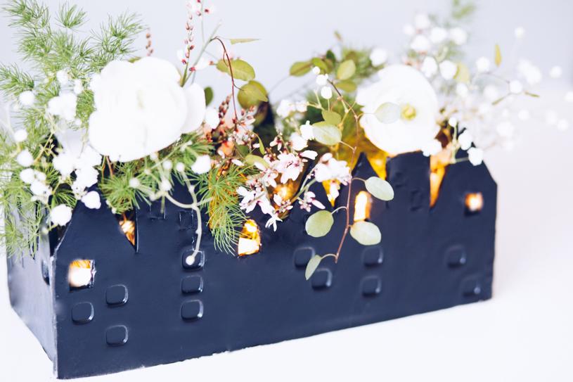 DIY Tischdeko mit lufttrocknender Modelliermasse. Haus für Blumen und Kerzen. #5Blogs1000Ideen