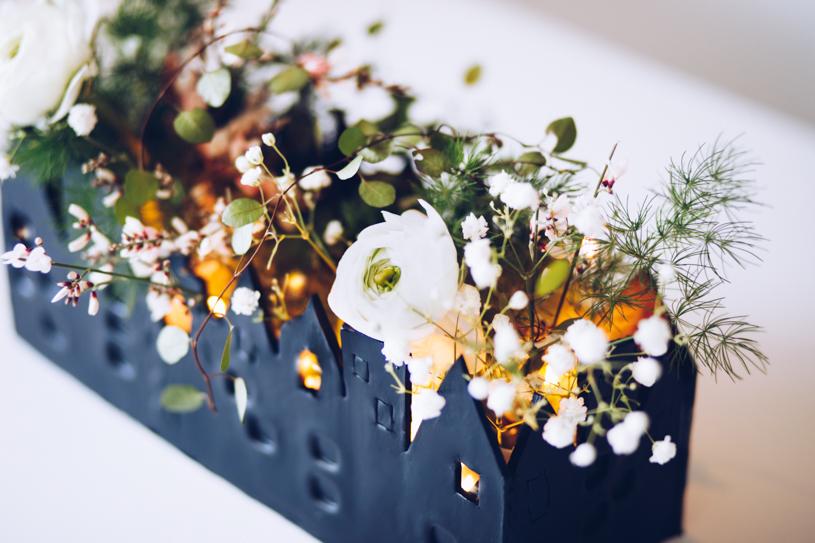 DIY Tischdeko mit lufttrocknender Modelliermasse. Haus für Blumen und Kerzen.