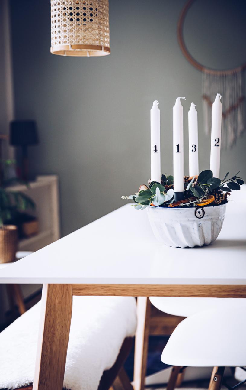 Schönen DIY Adventskranz mit natürlichen Materialien einfach selber machen – Zero Waste Weihnachtsdeko. Titatoni.de