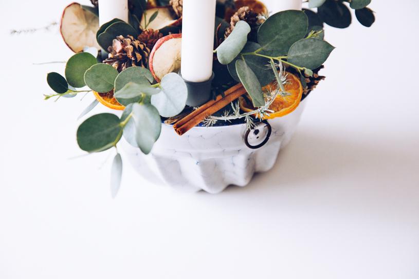 Do it yourself Adventskranz mit natürlichen Materialien einfach selber machen – Zero Waste Weihnachtsdeko. Titatoni.de
