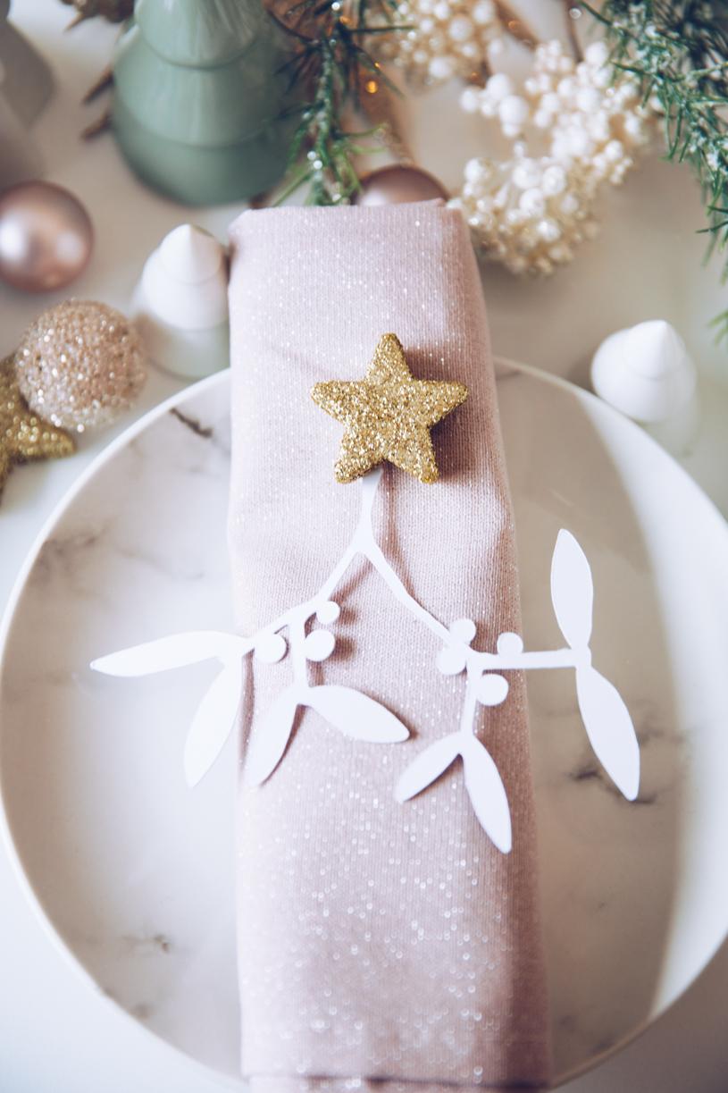 DIY Tischdeko im Advent. DIY Mistelzweig zum Selbermachen mit Gratis Vorlage. Weihnachten mit titatoni.de