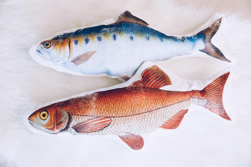 Kissen in Fischform selber nähen. Anleitung DIY Motiv-Kissen auch für Anfänger. titatoni