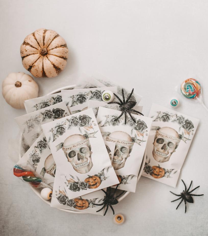 Basteln an Halloween – DIY Halloween-Tütchen für Süßigkeiten gratis zum Ausdrucken. titatoni.de