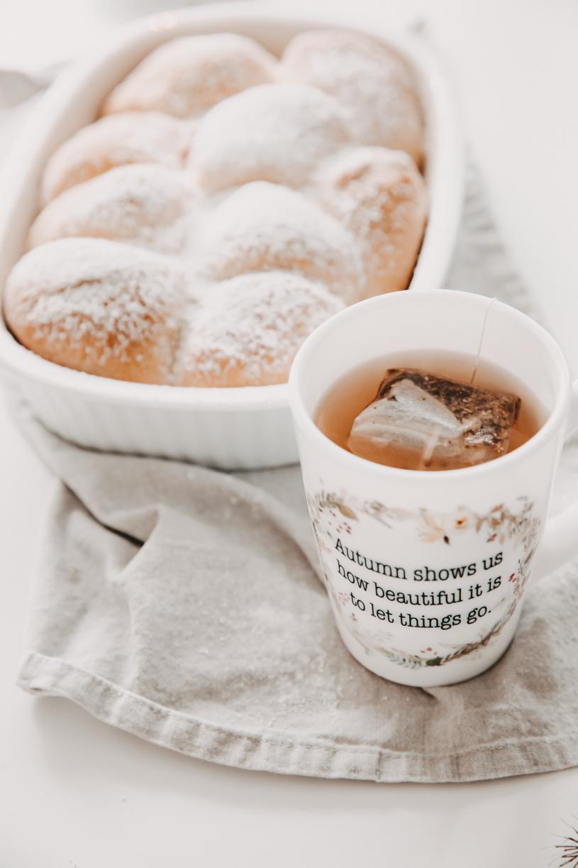 Rezept Buchteln mit Marmeladen-Füllung. Herbstblues ade mit Soul-Food und 10 Tipps für einen schönen Herbst 2020. titatoni.de