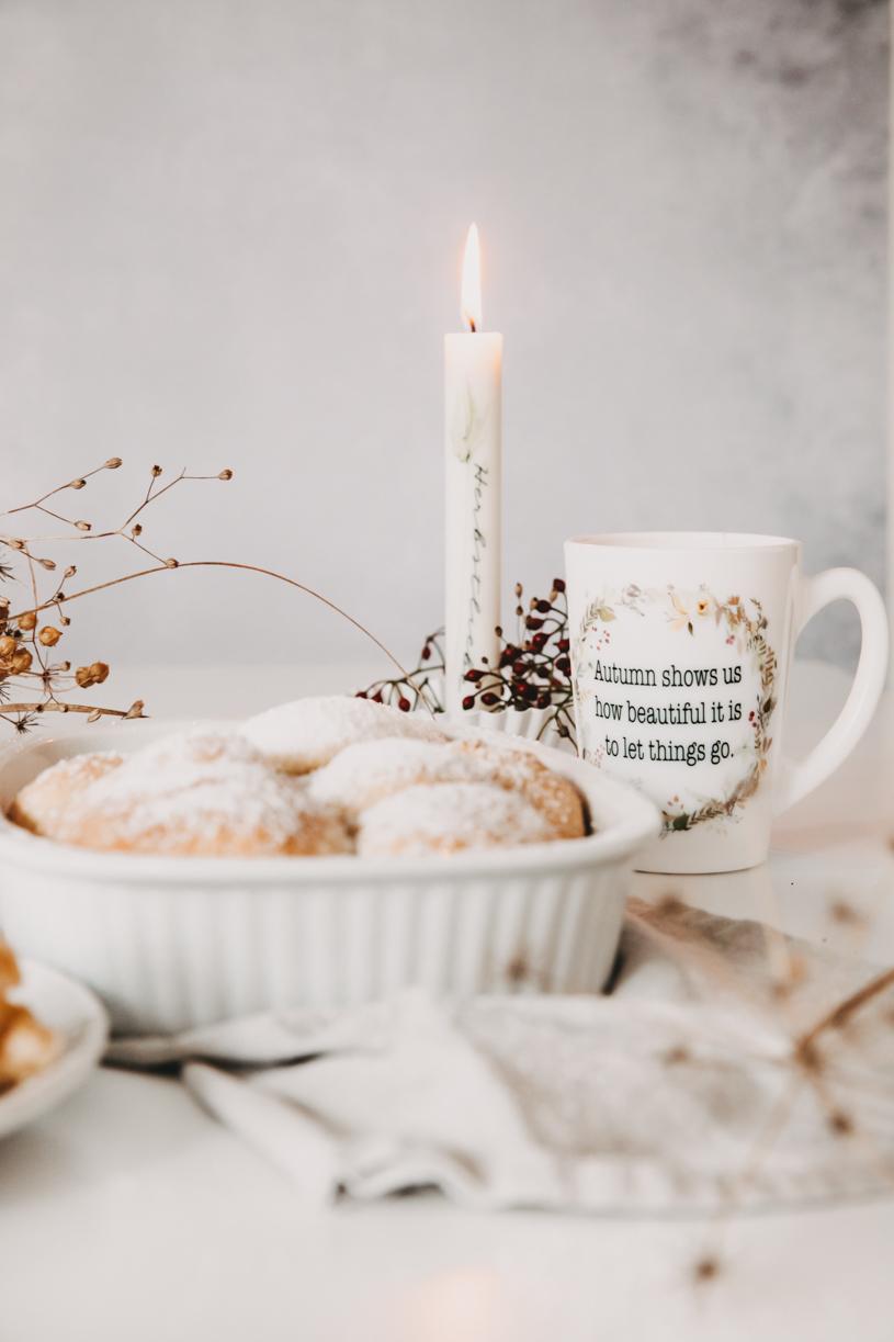 Soulfood-Rezept für Buchteln mit Kürbismarmelade. Perfekt zum Frühstück, Brunch oder Kaffeeund Kuchen! Und 10 Tipps für einen schönen Herbst 2020. titatoni.de