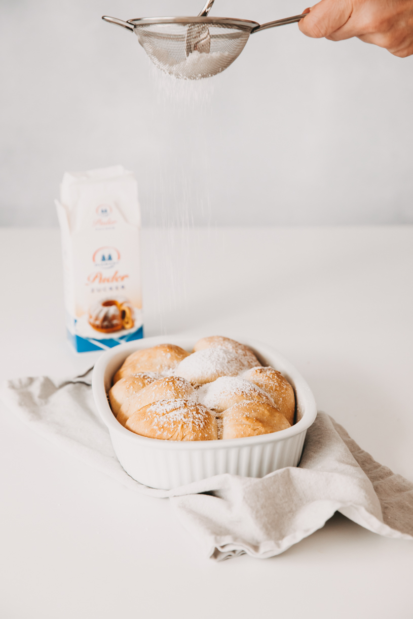 Rezept für Buchteln mit Kürbis-Apfelmarmelade. Perfekt zum Frühstück, Brunch oder Kaffeeund Kuchen! Und 10 Tipps für einen schönen Herbst 2020. titatoni.de